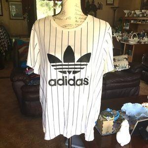 Women's Adidas baseball tee shirt seen on Selena💕